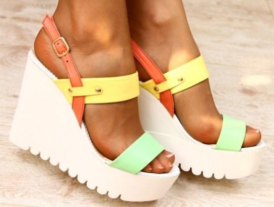 ... Женские босоножки оптом – стильная обувь для эффектных модниц f5825b5d521b6