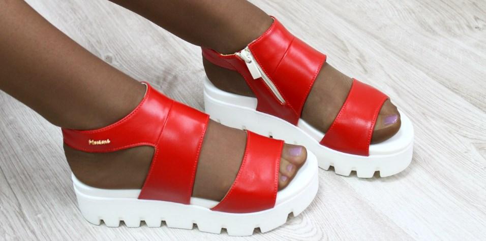 383e451e4 Женские босоножки оптом – стильная обувь для эффектных модниц ...