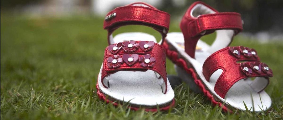 762f7c175fd6e3 Дитяче взуття оптом – Україна і Європа на сторожі здоров'я діток ...